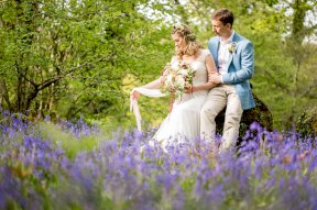 Spring wedding image by Rebecca Roundhill Photography