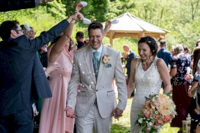 Confetti moment at the wedding Image by Linus Moran Photography