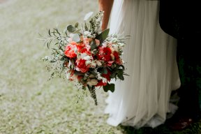 Bridal bouquet coral, Image by OXI Photography