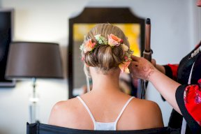 lightly-bohemian floral hair-do Image by Rebecca Roundhill Photography