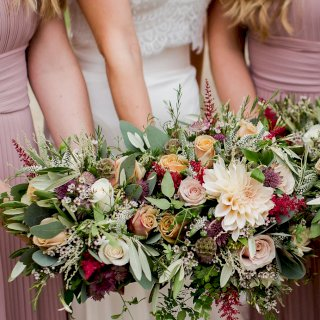 Peachy bouquets